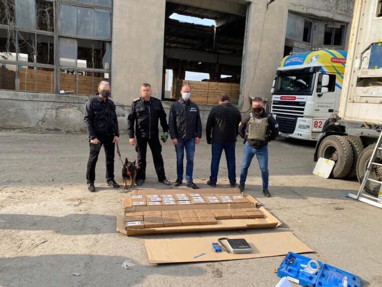 В порту Одессы перехватили партию кокаина