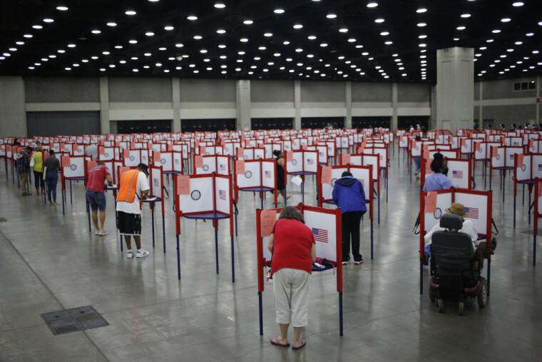 Фейки в ЗМІ спрямовані на те, щоб підірвати довіру американців до виборчого процесу