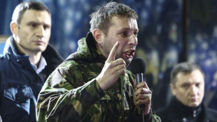 Владимир Парасюк на сцене Евромайдана, 2014 г. / фото из открытых источников