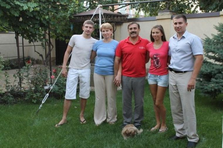Антон Кіссе разом з сім'єю