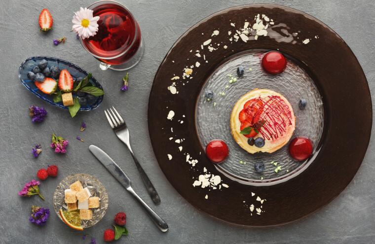 Любое из блюд высокой кухни всегда будет выглядеть безупречно красиво и бесконечно оригинально
