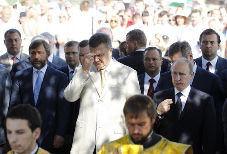 Президент Украины Виктор Янукович, президент РФ Владимир Путин и Вадим Новинский