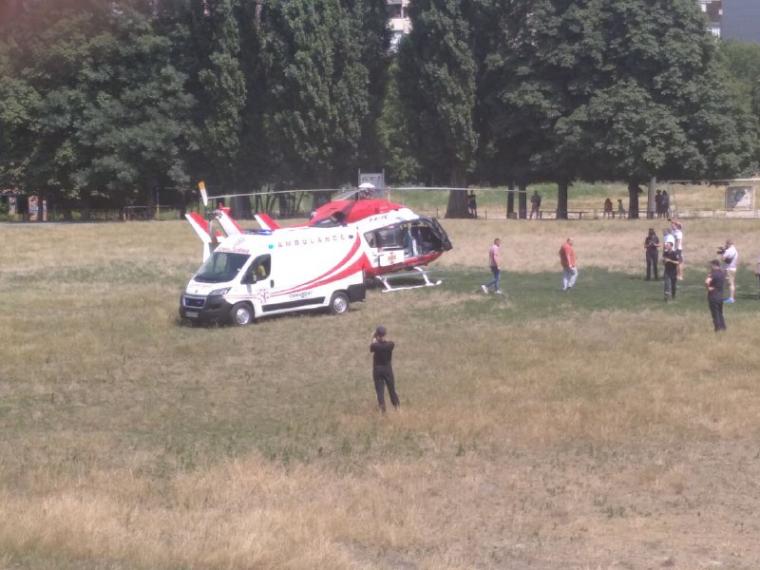 """Гелікоптер МВС на стадіоні """"Старт"""" у столиці"""