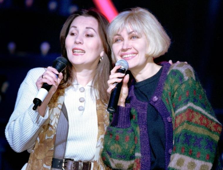 Співачки Таїсія Повалій, праворуч, і Валентина Степова