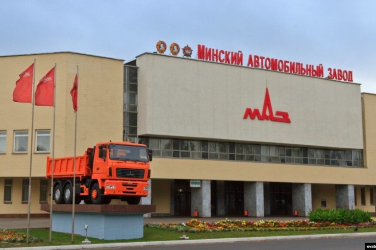 Украина обложила грузовики и автобусы из Беларуси 35%-ой пошлиной