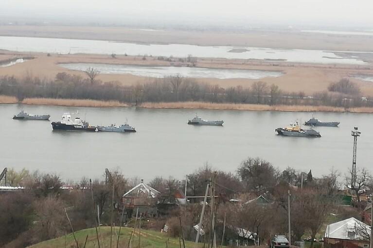 В сети показали Каспийскую флотилию РФ, идущую в Черное море (ФОТО)