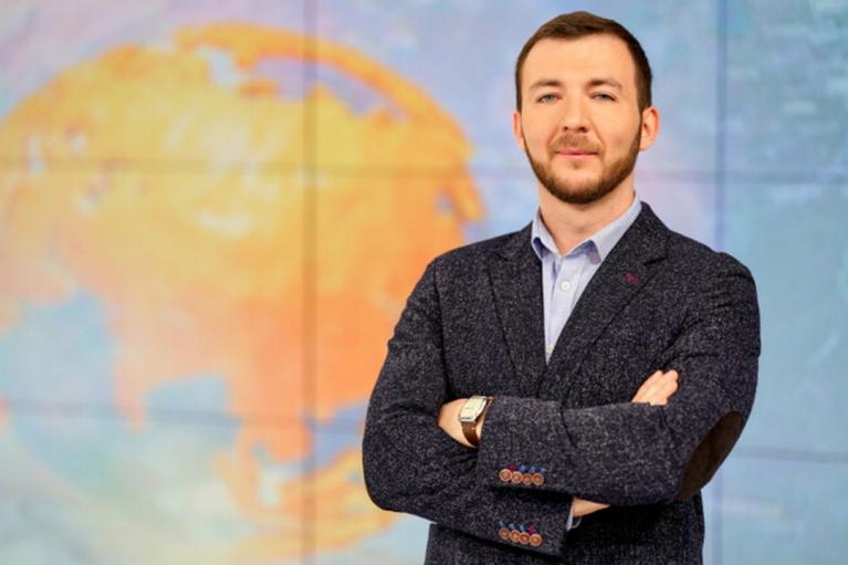 """ЗМІ """"сватають"""" на посаду спікера Зеленського журналіста каналу Ахметова"""