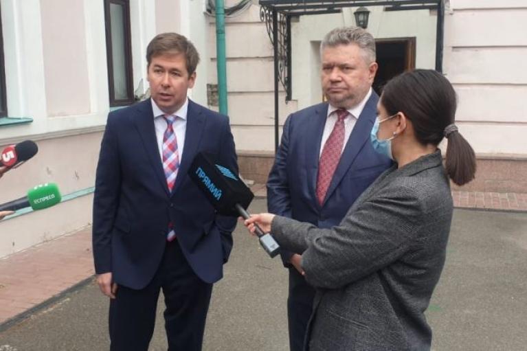 Адвокат Порошенко анонсировал первый иск против Гордона за клевету