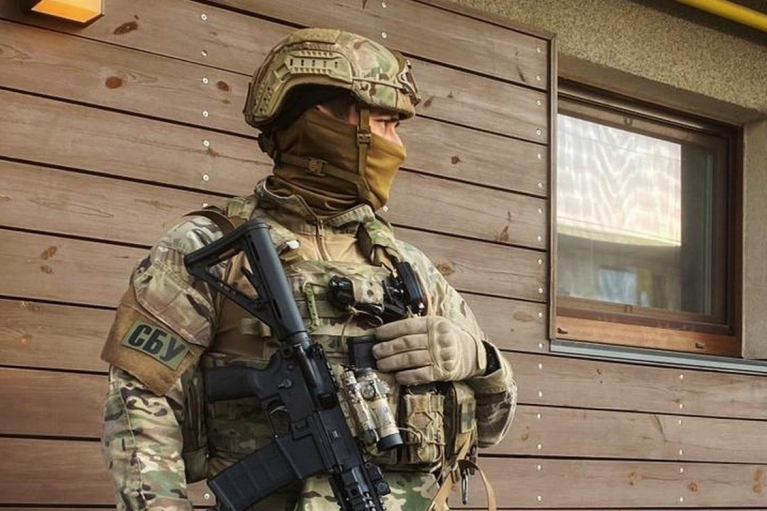 Першого помічника Зеленського та його родину почала охороняти СБУ, - ЗМІ