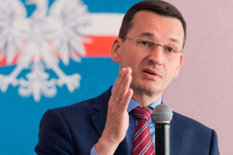 Премьер Польши прокомментировал конфликт с ЕС, вызванный признанием приоритета национального права над европейским