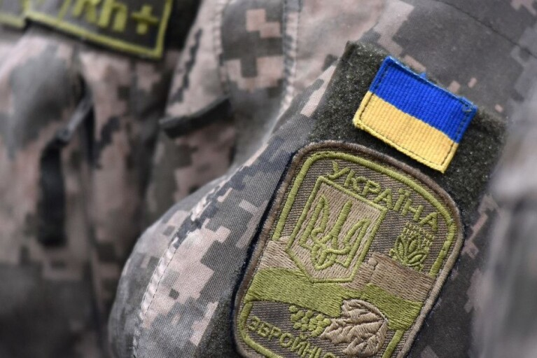 Обстрелы боевиков на Донбассе не утихают: ранен еще один боец ВСУ