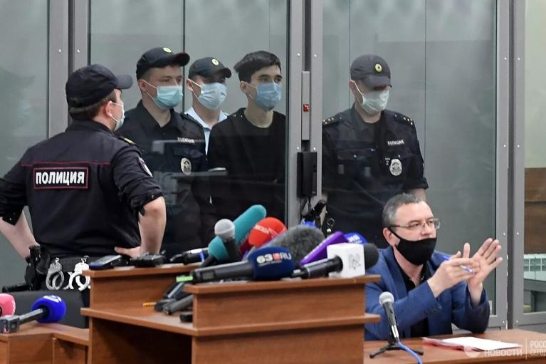 Стрілянина в казанській школі: обвинуваченого відправили за ґрати