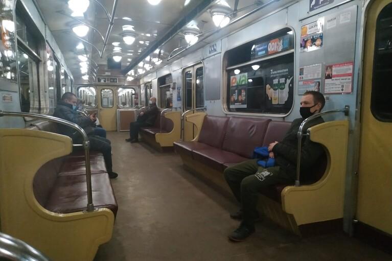 Киевские перевозчики призвали власть дать деньги или поднять тарифы на проезд