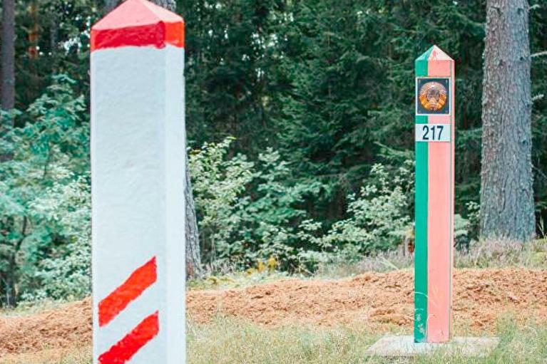 Мигранты из Беларуси: Латвия продлила режим чрезвычайного положения на границе