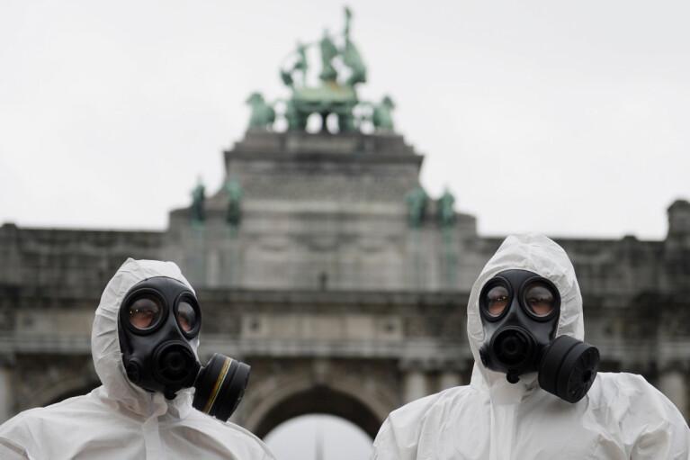 Німецькі вірусологи прогнозують третю хвилю коронавірусу