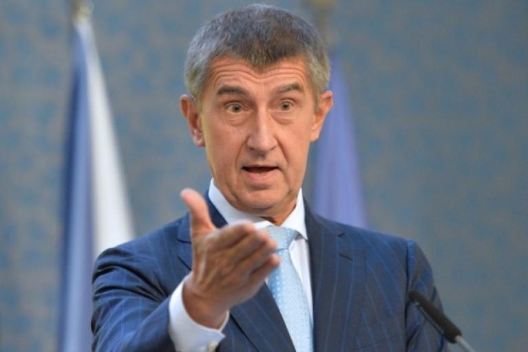 На знак солідарності: прем'єр Чехії просить країни ЄС висилати російських дипломатів