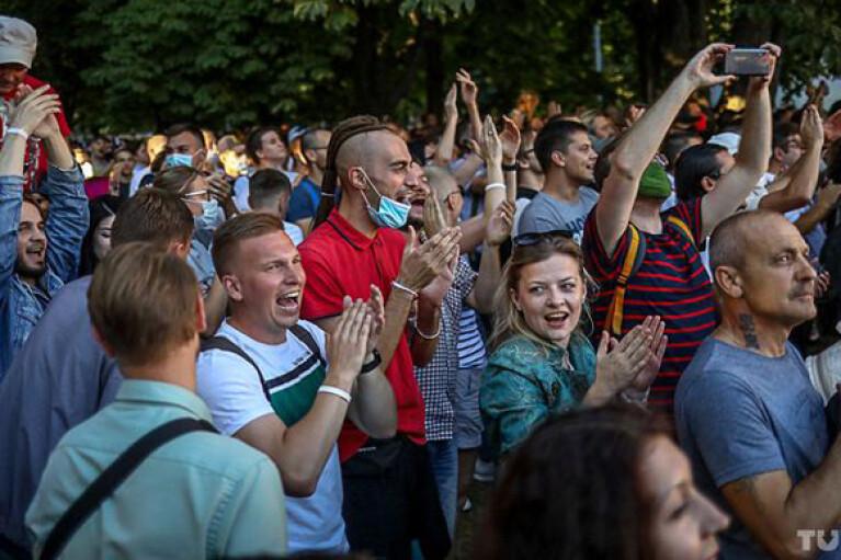 """Під час провладного заходу в Мінську включили пісню Цоя """"Перемен"""". Діджеїв затримали (ВІДЕО)"""
