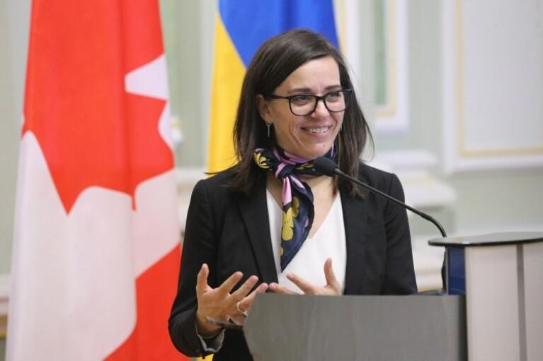 Канадский посол продекламировала стихотворение Леси Украинки на трех языках (ВИДЕО)