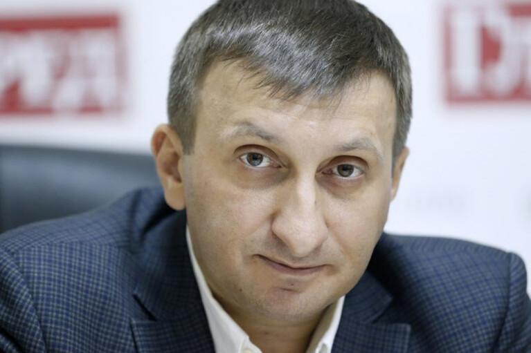 Віталій Кулик: Банкова спробує збити хвилю скандалів списанням комунальних боргів, Донбасом та питанням мови