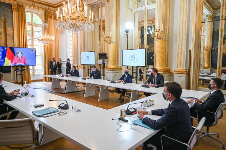 """""""Наши тезисы четкие и понятные"""": Зеленский подвел итоги своего визита к Макрону"""