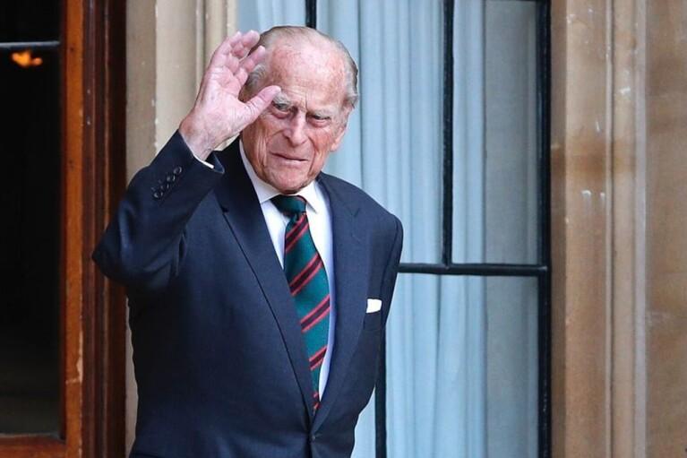 Чоловіка королеви Британії збираються виписати з лікарні