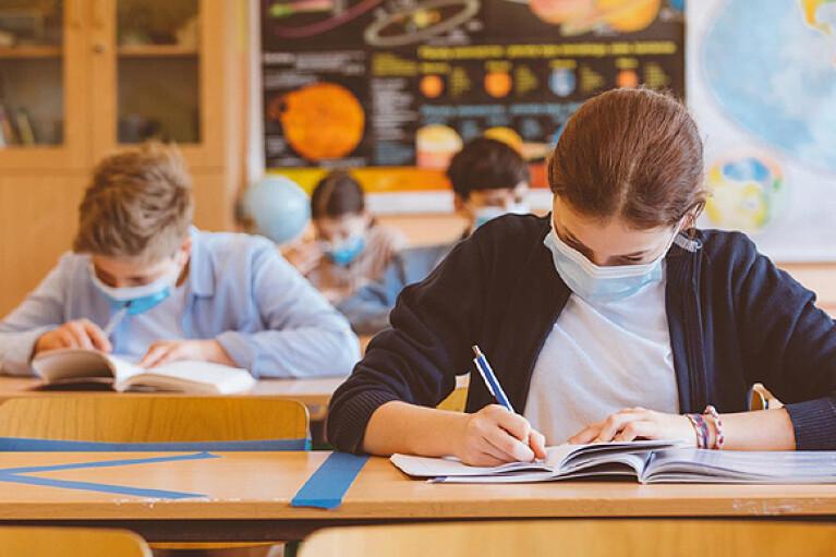 В Ровно ослабляют карантин для школьников
