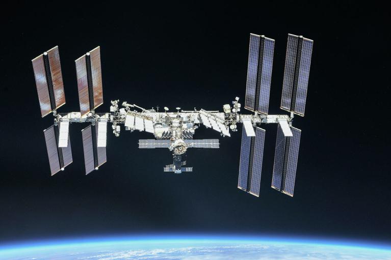 Астронавти NASA замінили сонячну батарею на МКС (ВІДЕО)