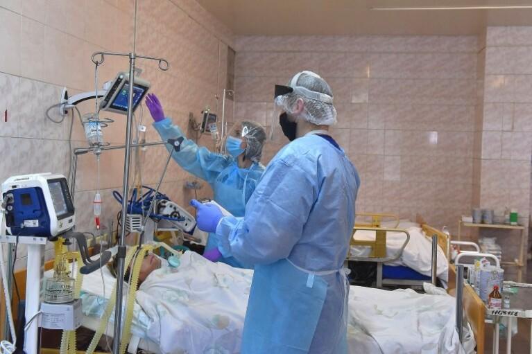 Когда эпидемия COVID-19 в Украине пойдет на спад: прогнозы экспертов