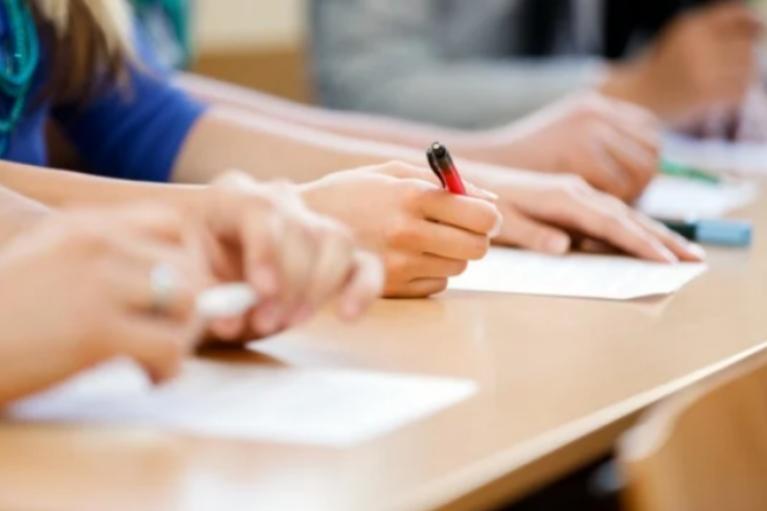 Более двух третей молодых украинцев не хотят работать по специальности
