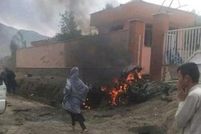 """""""Ісламська держава"""" вчинила теракт у мечеті Кабула: 12 вірян та імам загинули (ФОТО)"""