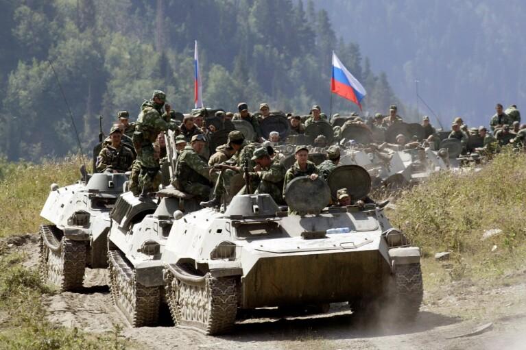 Путін не ввів. Що буде з ОРДЛО без російських військ біля кордонів України
