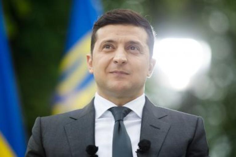 """Зеленський хоче платити викладачам свого """"університету майбутнього"""" $4 тисячі з держбюджету"""