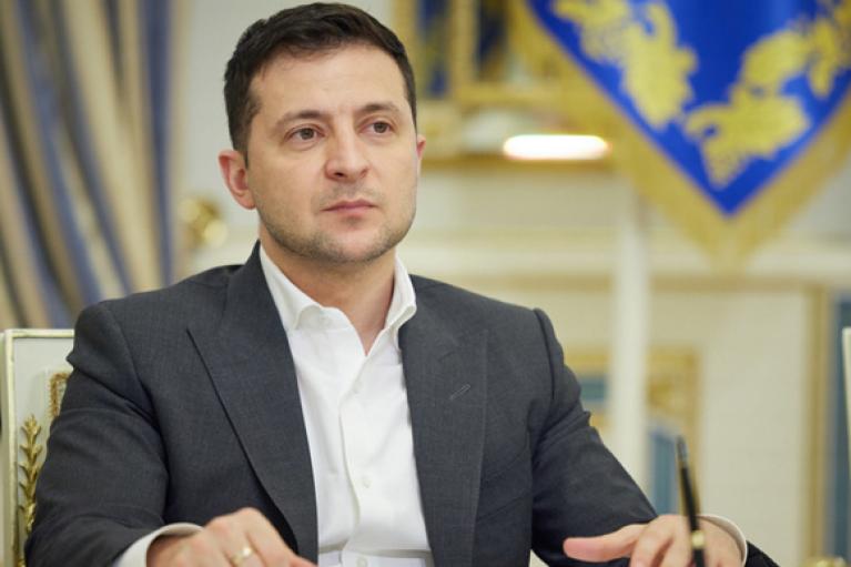 Децентрализация: Зеленский хочет изменить Конституцию