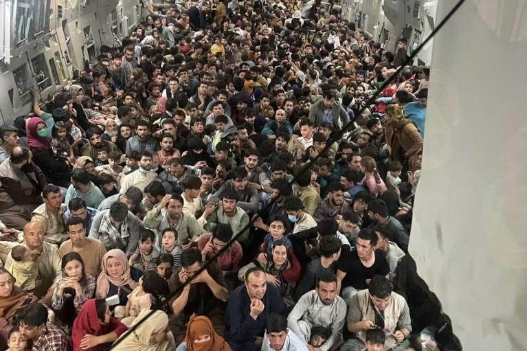 """""""Талибан"""" у ворот. Как  Центральная Азия поделится с Россией беженцами из Афганистана"""