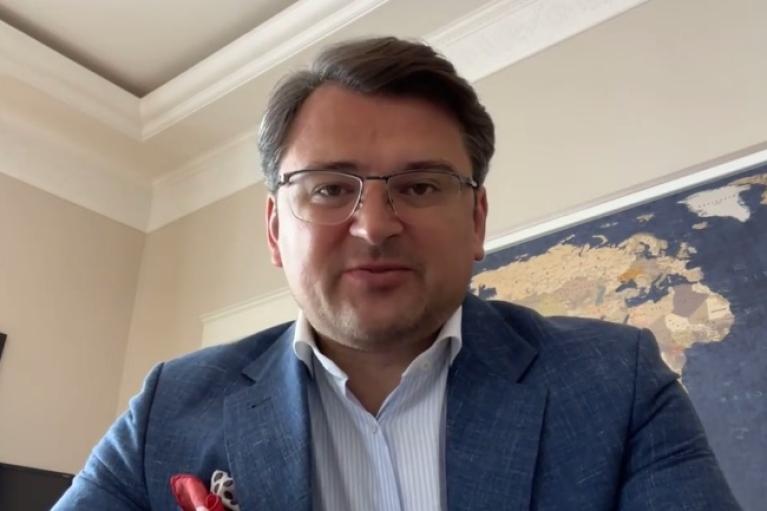 Украина готова помочь горящей Албании, — Кулеба