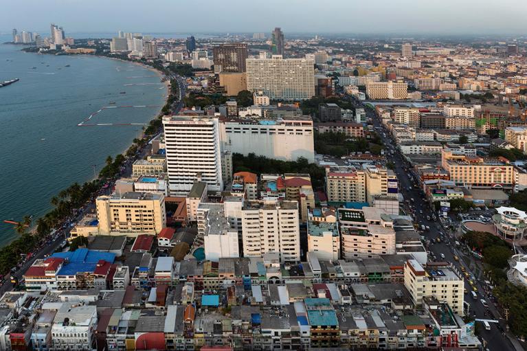 Власти Таиланда хотят сократить сроки самоизоляции для туристов