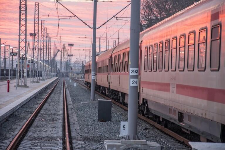 """""""Укрзализныця"""" назвала ближайшие станции для выезда трех """"красных"""" областей (КАРТА)"""