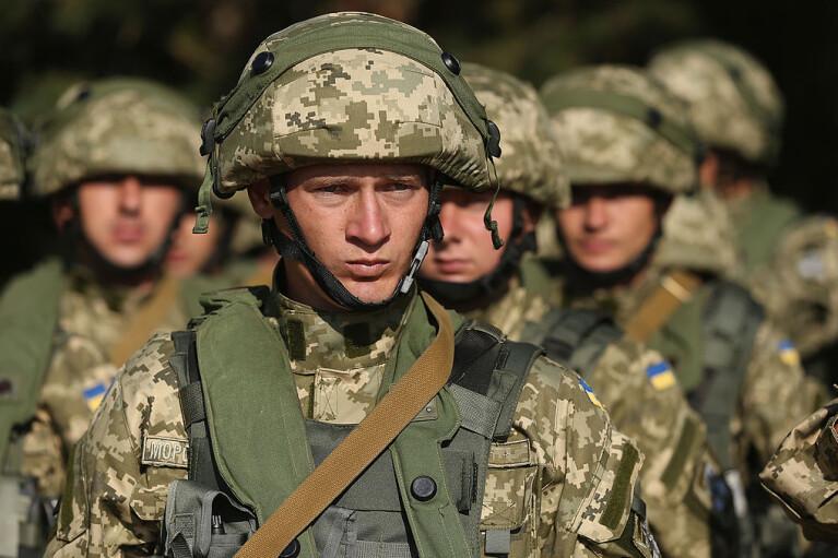 Натянуть сову на глобус. Что не так с предложением Хомчака по численности нашей армии