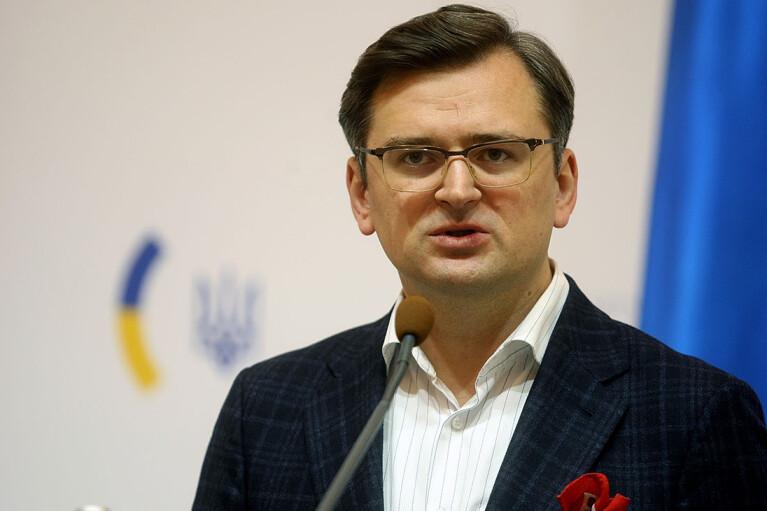Кулеба виключив, що Угорщина тисне на Україну за вказівкою Кремля