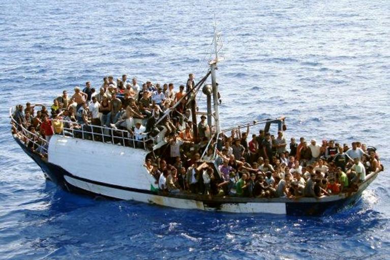 Іспанія виставила війська проти нелегалів з Марокко