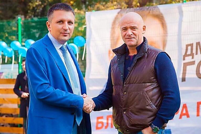 """Неделя в регионах. Срыв выборов по-одесски, """"скорая агитирующая помощь"""" и СЭЗ на Буковине"""