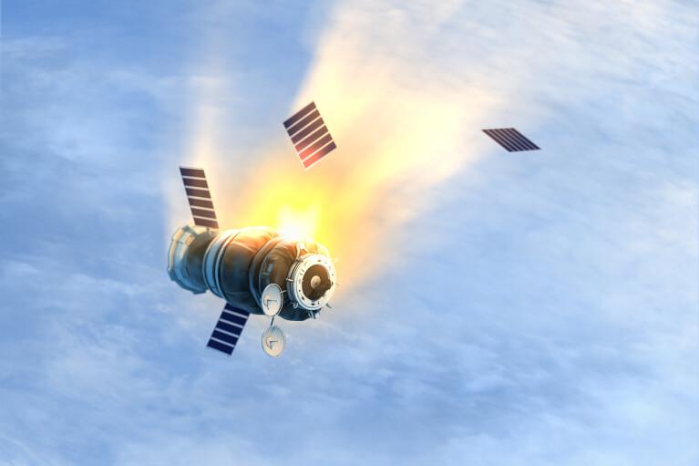 """Система """"Купол"""" с дырками. Почему падают российские военные спутники"""