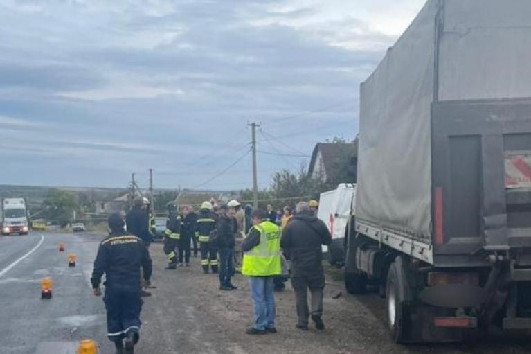 В Одесской области в ДТП погиб полицейский, еще один в тяжелом состоянии (ФОТО)
