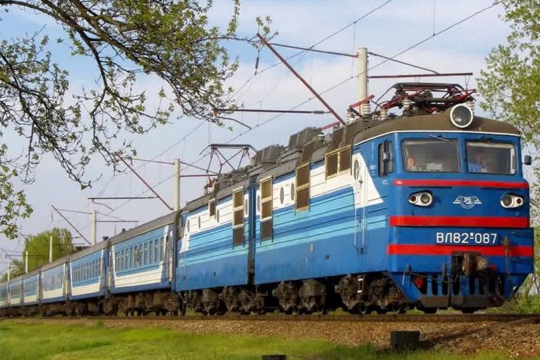 """""""Укрзализныця"""" сменила маршрут одного из поездов: исключены пять станций"""