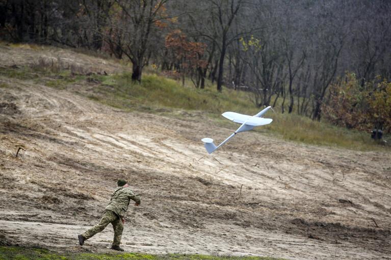 Бардак з безпілотниками. Чому армійські бригади на Донбасі використовують різні типи БПЛА для розвідки