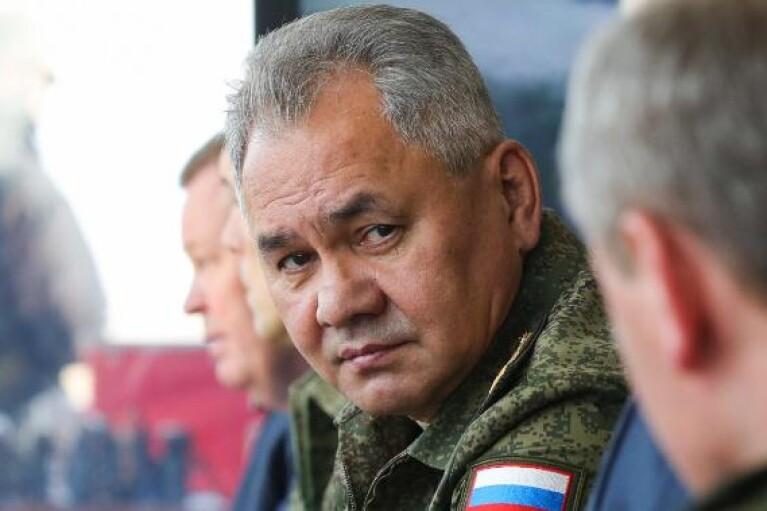 В оккупированный Крым на масштабные военные учения приехал глава Минобороны РФ