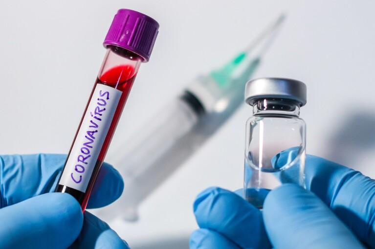Украина получит почти 2 млн доз COVID-вакцин от Pfizer и AstraZeneca до мая