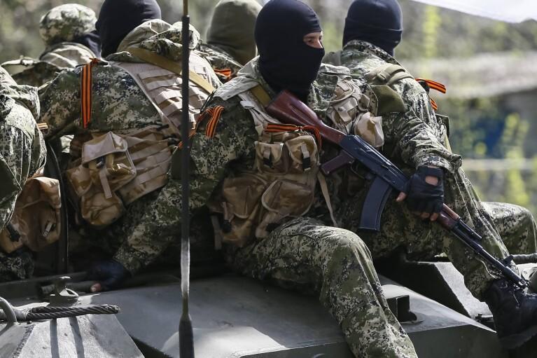 """Боевики хотят """"узаконить"""" въезд в """"ДНР"""" только по пропускам с отпечатками пальцев"""