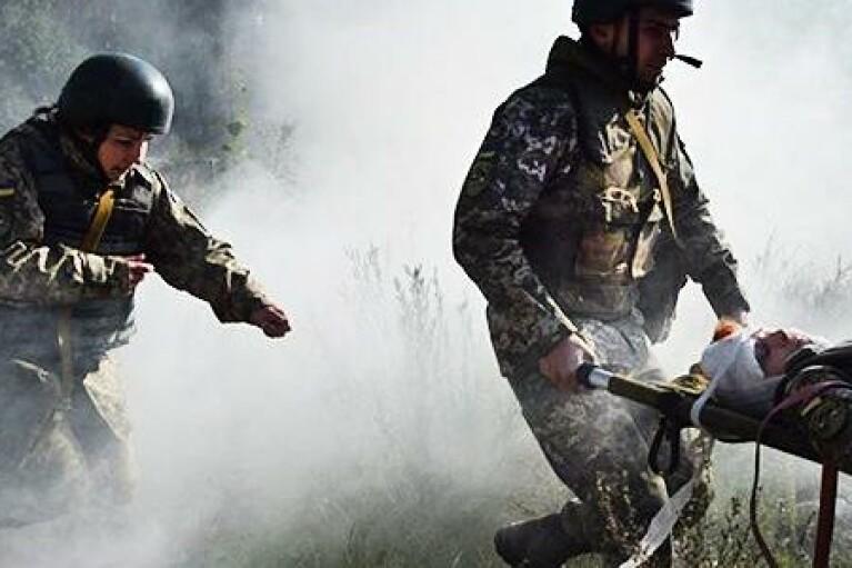 Украинский военный подорвался на мине возле Луганского