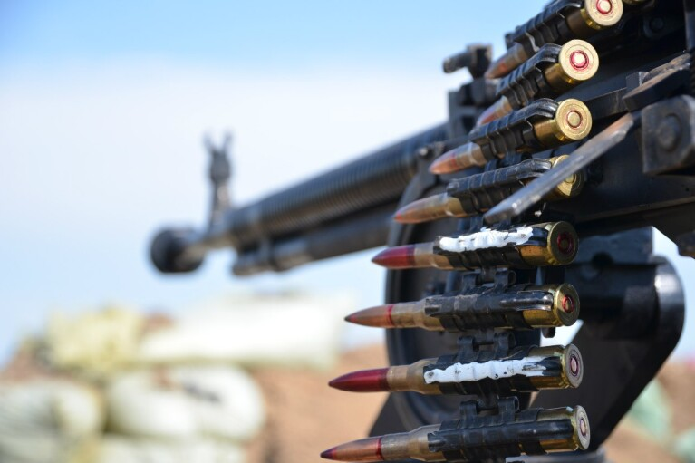 День на Донбассе: террористы вели прицельный огонь по позициям ООС